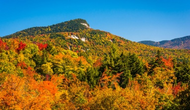 3 Incredible Fall Foliage Hiking Locations In The Northeast
